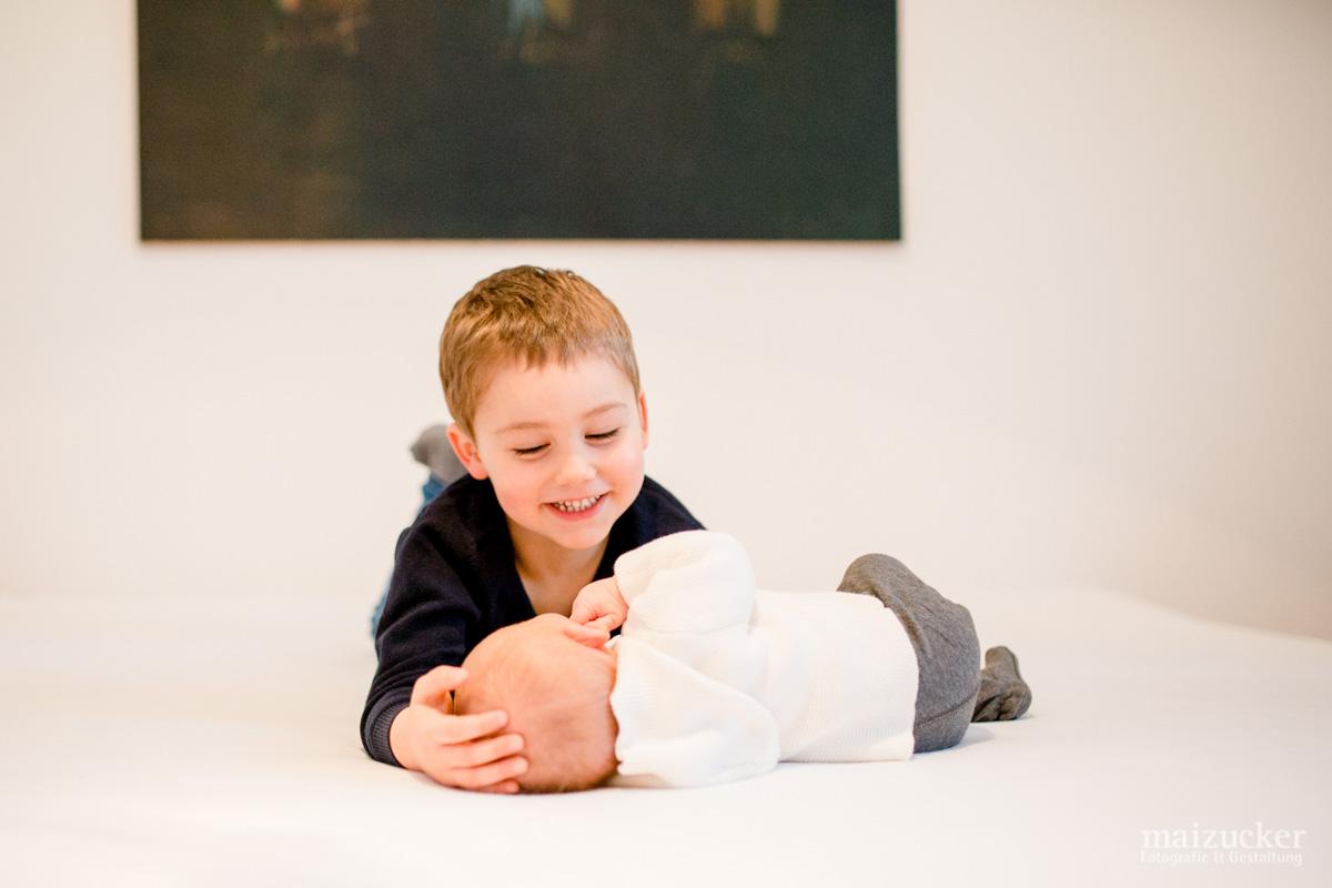 Newborn, Babyshooting und Geschwisterbilder, Homestory in Schweinfurt