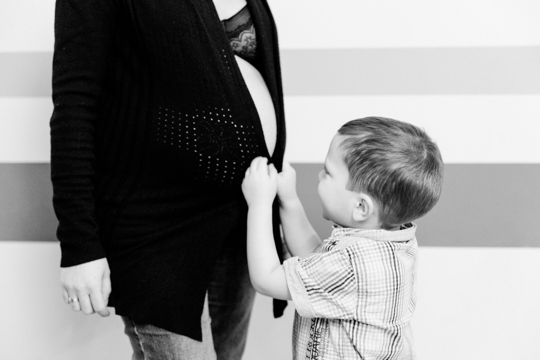 Natürliche Babybauchfotos, Babybauchshooting, Fotografin Daggi Binder, maizucker, Schweinfurt