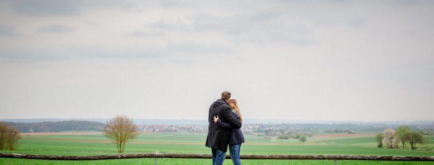 Hochzeit - Engagementshooting in Soemmersdorf mit Tina und Michael, Hochzeitsfotografin Daggi Binder, maizucker