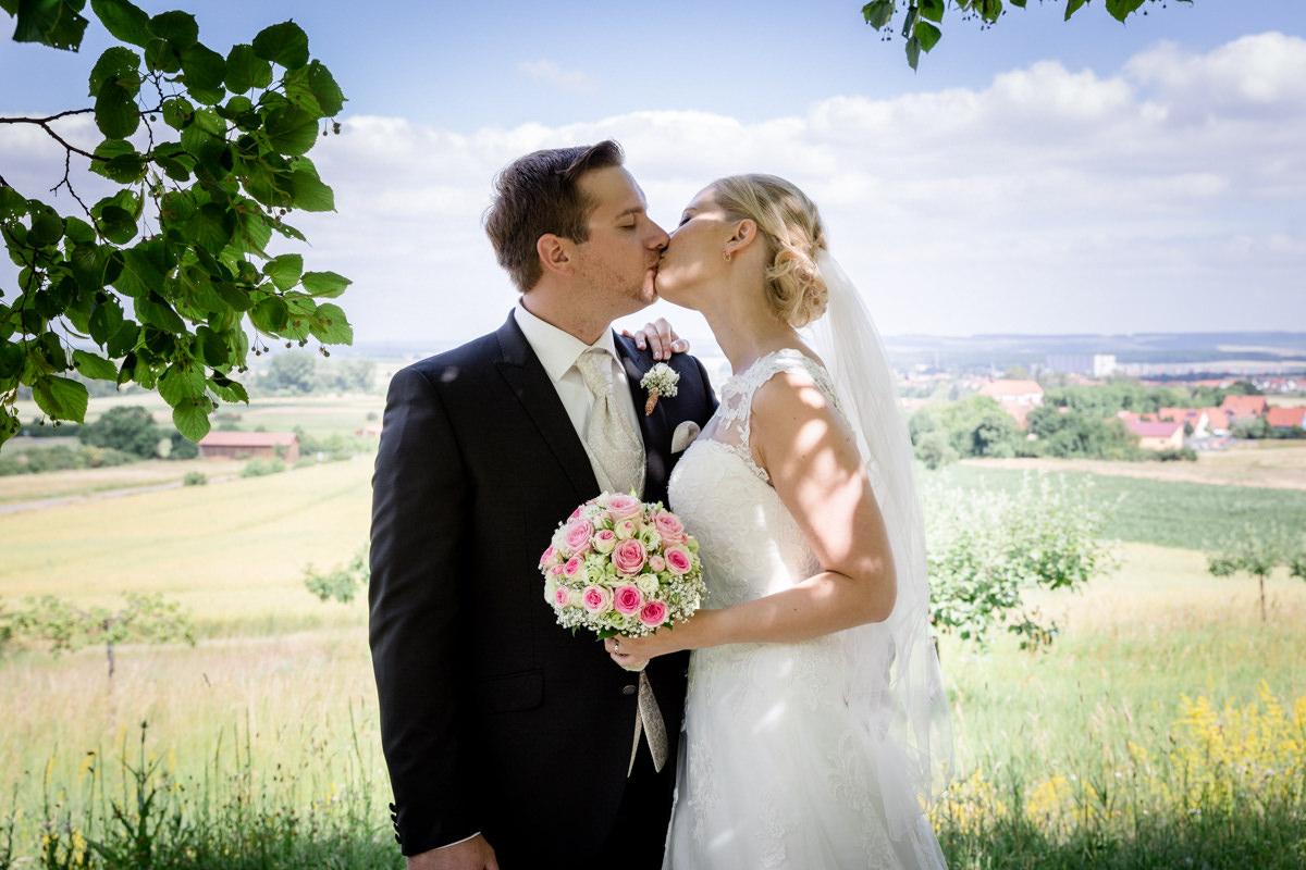 Hochzeit Janine und Björn, Kirchliche Trauung Brünnstadt, Hochzeit 2017, Hochzeitsfotos maizucker, Hochzeitsfotos Bayern, Hochzeit Gerolzhofen