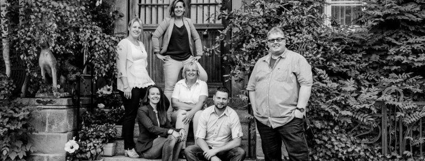 Fotoshooting, Familienshooting, Familienfotoshooting Schweinfurt, Familienfotos, Wehranlage, Sommershooting, Outdoor Fotos, Photoshooting im Grünen